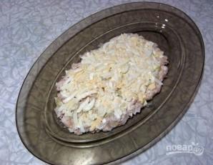 Салат из курицы, ананасов и яиц - фото шаг 4