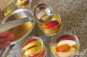Желе с кусочками фруктов - фото шаг 4