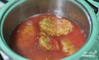 Куриные котлеты в томатной подливе - фото шаг 8