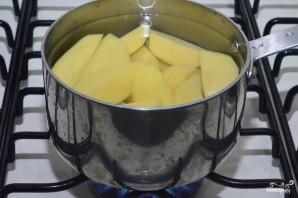 Картофельные котлеты в панировочных сухарях - фото шаг 1
