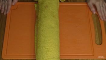 Ореховый рулет с вареной сгущенкой (на скорую руку) - фото шаг 4