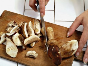 Маринованные белые грибы с уксусом - фото шаг 2