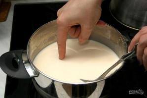 Блины (простой рецепт на кефире) - фото шаг 2