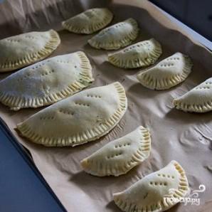 Пирожки со шпинатом и сыром Фета - фото шаг 5