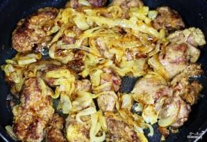 Куриная печень, жареная с луком - фото шаг 9