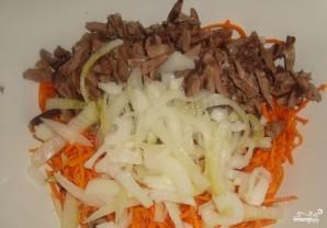 Салат с печенью и корейской морковкой - фото шаг 2