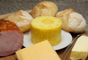Бутерброды с ананасом и сыром - фото шаг 1