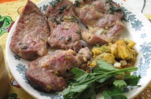 Свиная шейка на сковороде - фото шаг 6