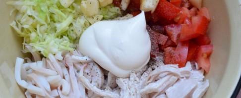 Салат с курицей и кальмарами - фото шаг 3