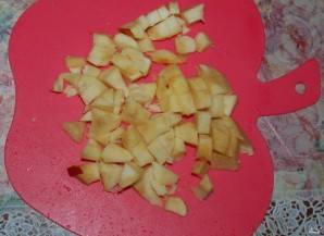 Оладушки на кефире с яблоками - фото шаг 3