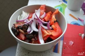 Легкий салат с лисичками и шампиньонами - фото шаг 5