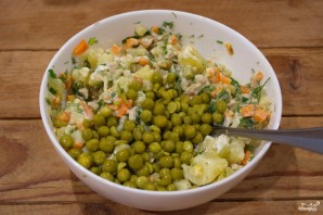 Картофельный салат с кальмарами и огурцами - фото шаг 6