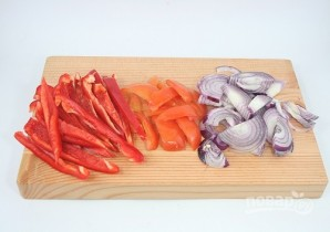 Сырный салат с ветчиной и овощами - фото шаг 1