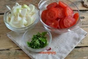Закуска из помидоров с луком на зиму - фото шаг 2
