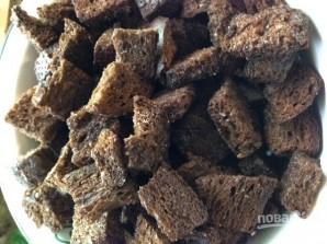 Сухарики из черного хлеба с чесноком - фото шаг 3