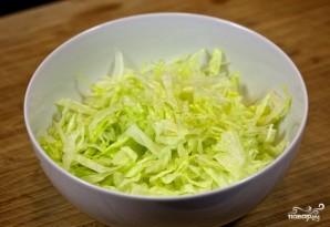 Салат с гренками - фото шаг 5