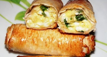 Лаваш с яйцом и зеленью - фото шаг 5