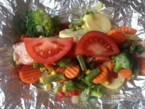 Лосось в духовке с овощами - фото шаг 6