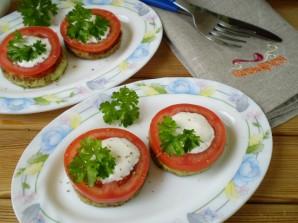 Кабачки, жареные с чесноком и помидорами - фото шаг 12