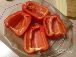 Перец, запеченный с пастой, грибами и сыром - фото шаг 3