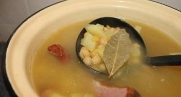 Суп гороховый с копчеными ребрышками - фото шаг 7