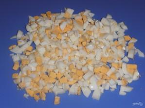 Салат из фасоли и яиц - фото шаг 2