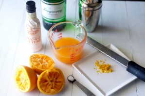 Алкогольный коктейль с апельсиновым соком - фото шаг 1