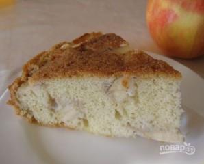 Шарлотка с яблоками классическая - фото шаг 11