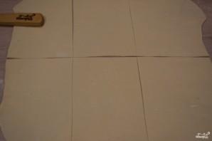 Конвертики из слоеного теста - фото шаг 3
