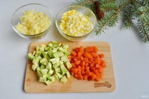 Заливной салат с креветками и авокадо - фото шаг 3