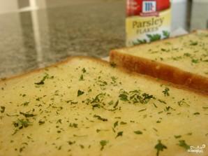 Тосты с сыром и чесноком - фото шаг 4