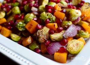 Салат из запеченных овощей с гранатом - фото шаг 9