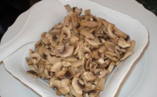 Салат куриный с грибами - фото шаг 2
