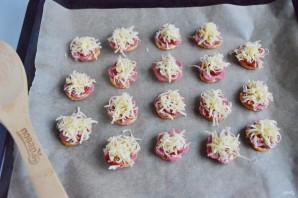 Пицца на претцеле за 10 минут - фото шаг 3