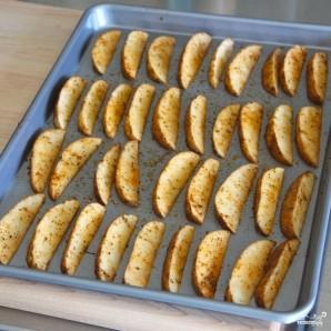 Запеченный картофель дольками - фото шаг 3