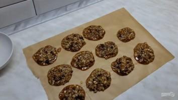 Конфеты с орехами, кунжутом, семечками и медом - фото шаг 4