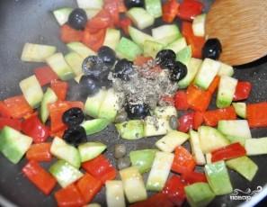 Салат из консервированного тунца с рисом - фото шаг 2