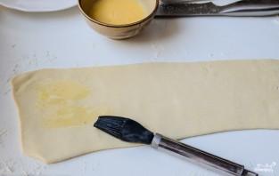 Слоеные палочки с сыром - фото шаг 3