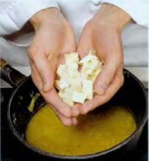 Суп из репчатого лука с брынзой - фото шаг 3