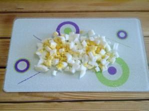 Салат из крабовых палочек с огурцом - фото шаг 4