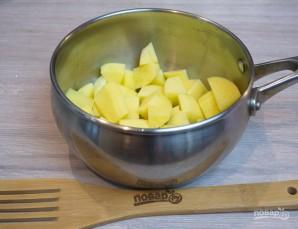 Суп из кильки в томате - фото шаг 1