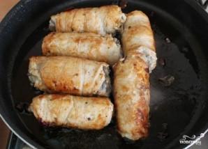 Куриные рулетики с грибами и сыром - фото шаг 8