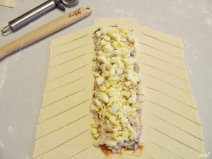 Пирог с рыбой из слоеного теста - фото шаг 8