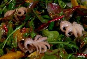 Салат с осьминогами в рассоле - фото шаг 4