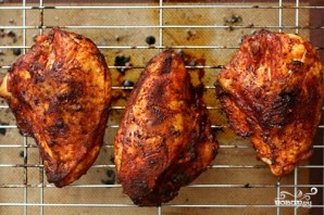 Запеченная курица с чили и перцем - фото шаг 4