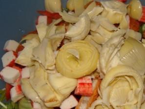 Простой салат с каперсами - фото шаг 6