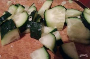 Простой салат из пекинской капусты и яиц - фото шаг 2