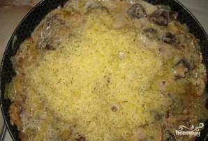 Печень  с грибами в сметане - фото шаг 5
