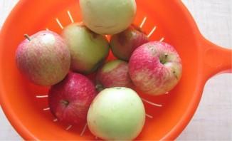 Яблоки консервированные целиком - фото шаг 2