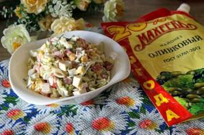 Салат с крабовыми палочками и перепелиными яйцами - фото шаг 5